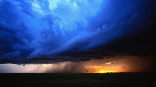 storm-clouds-in-blue-243097